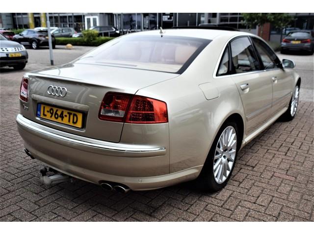 Audi S8 (foto 4)